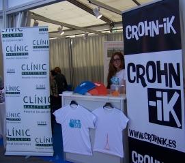 Tanit en el Godó vendiendo camisetas y entradas para el concierto.