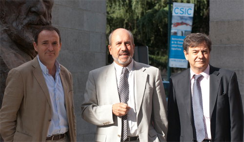 El Dr. Felipe García con los doctores Esteban y López Bernaldo de Quirós